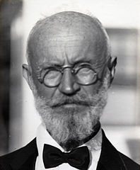 Black and white photo of Carl Tanzler in 1940